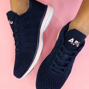 **LIKE NEW** APL Blue/Pink Size 7 ⭐️